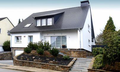 Familienglück in Heisingen – Hochwertig saniert 45259 Essen, Einfamilienhaus