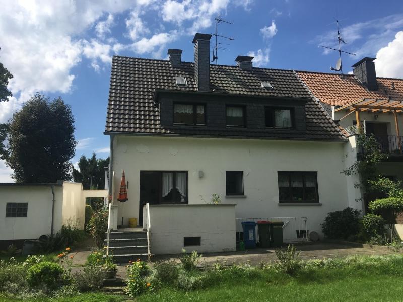 doppelhaush lfte in oberhausen 125 m. Black Bedroom Furniture Sets. Home Design Ideas