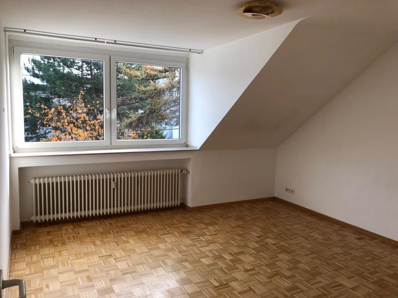 dachgeschosswohnung in essen 68 m. Black Bedroom Furniture Sets. Home Design Ideas