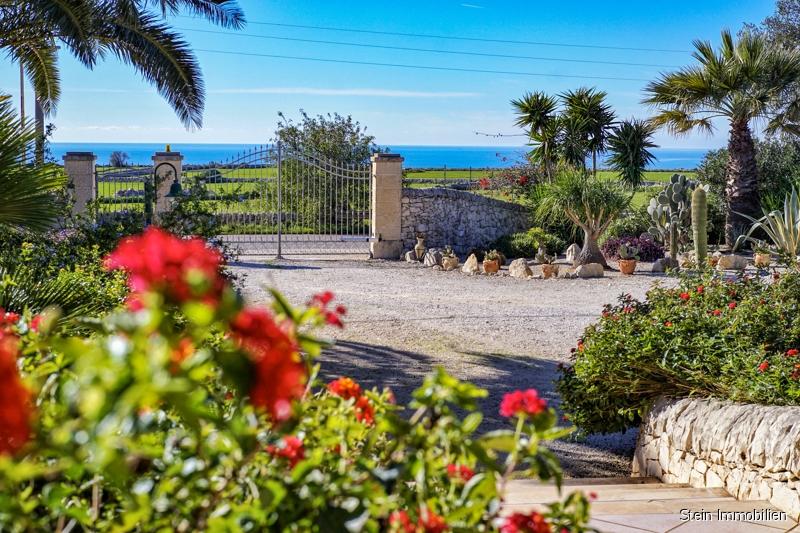 Sowohl Privatnutzung als auch Existenzgründung möglich! 97010 Marina di Ragusa (Italien), Villa